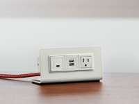 Axil M desktop power and usb center with 1 Power, 1 USB-A, 1 USB-C, and 120